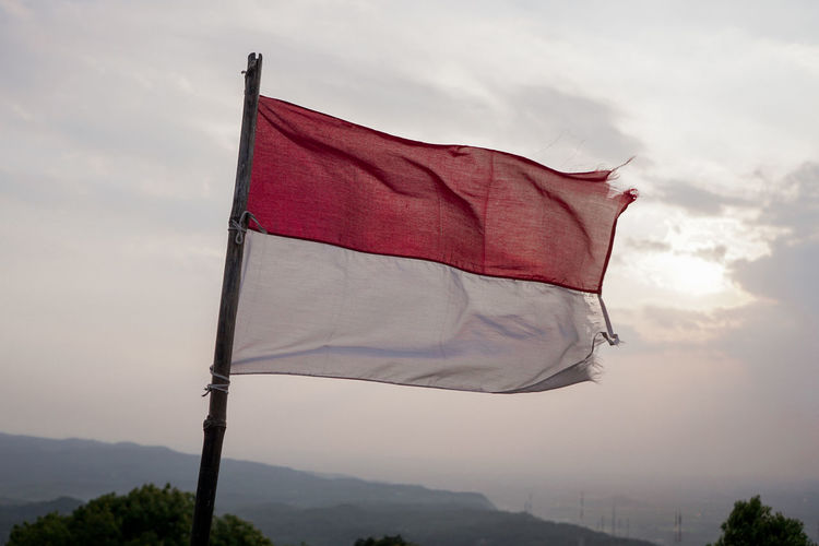Indonesian Flag INDONESIA Flag Independence Day Merdeka Politics And Government Red Patriotism City Flag Wind Sky Cloud - Sky Symbolism National Icon Flag Pole Identity