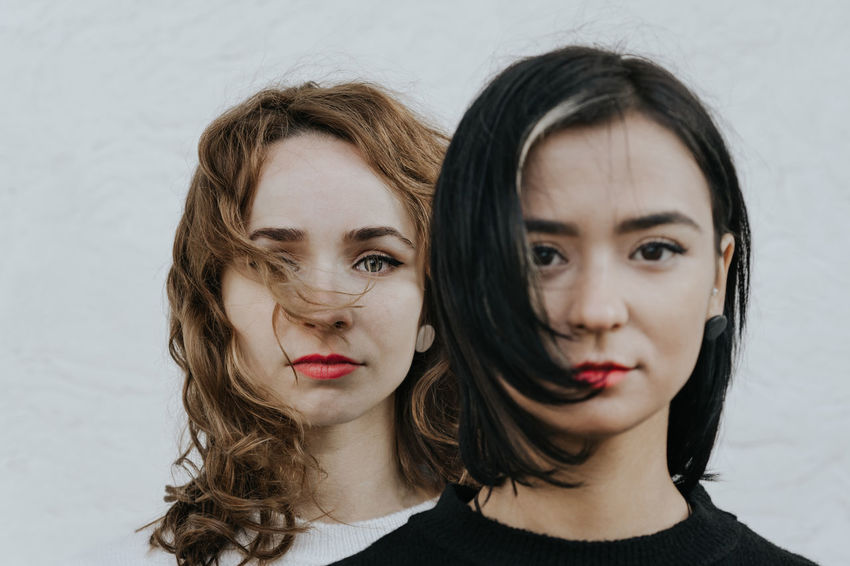 Sisters Twins Women Young Woman Portrait Of A Woman Two People Two Women Friendship Portrait Beautiful Woman Young Women Beauty Togetherness Beautiful People Looking At Camera Headshot Long Hair Red Lipstick Couple Eye Make-up 50 Ways Of Seeing: Gratitude