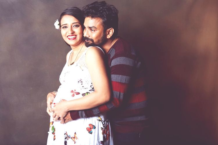 Father To Be Mother To Be Motherhood Pregnant Belly  Maternity Shoot Pregnant Woman EyeEm Selects Portrait Females Women Men Togetherness Young Women Males  Couple - Relationship Love Standing