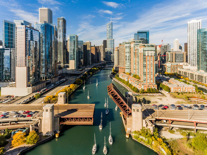 Chicago bridge lift fall time via drone Chicago River Cityscape Architecture Bridge - Man Made Structure Building Exterior Built Structure Chicagobridges City Cityscape Downtown District Fall Mode Of Transport Modern River Road Sky Skyscraper Transportation Travel Destinations Urban Skyline Water