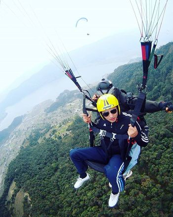 I'd risk the fall, just to know how it feels to fly! Paragliding Parachute Adventure Adventuretime Adventures Adventurous Fly Adventuresports Flying Mountains Landscape Lake Liveauthentic Aboveandbeyond Abovetheclouds  Topoftheworld Paradise Nature Nepal Awesome Awesome_shots Awesomeearth Windy 3000ft Jump loveflying instapic instaclick flyhigh