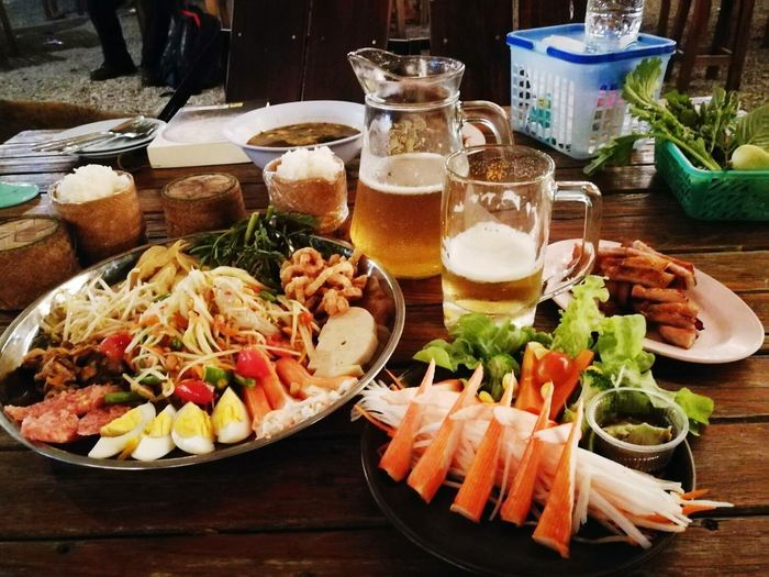 Seafood Food Food And Drink Healthy Eating Freshness Variation Plate Table No People Indoors  Meat Ready-to-eat Close-up Day เบียร์ ตำถาด