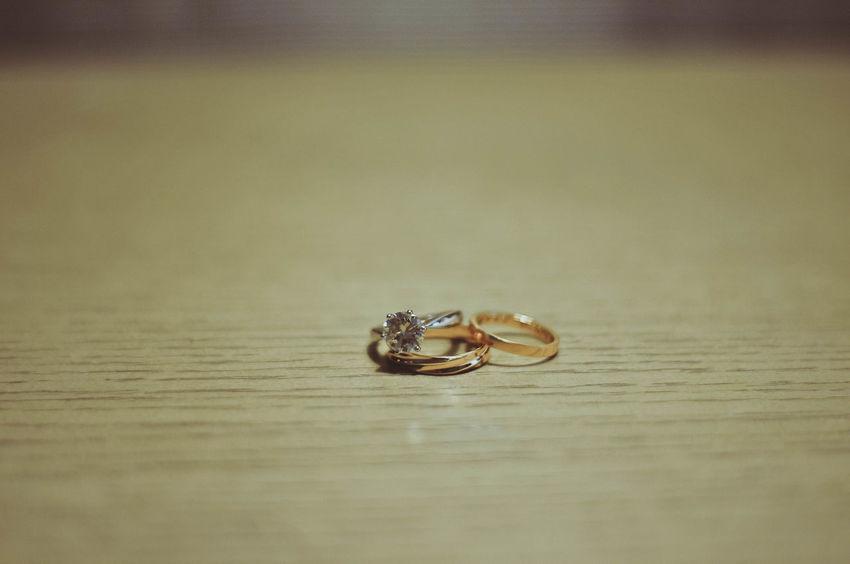 Indian Wedding India Indian Wedding Indian Culture  Wedding Wedding Photography Bracelet Close-up Day Indian Bracelets Indoors  No People Rings Rings 💍 River Saree Saree Fashion Wedding India Wedding Dress Wedding Saree