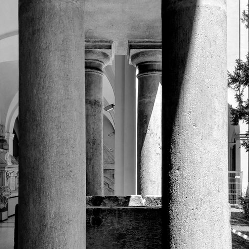 Architecture Columns Colonne Architettura Black And White Bianco E Nero Abstractions In BlackandWhite Punto Di Fuga Vanishing Point Shadows & Lights Ombre Geometry Geometric Shapes Modena Pietra Stone
