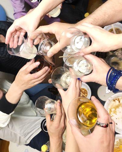 酒 乾杯 宴会 Group Of People Real People Human Body Part Refreshment Human Hand Hand Adult