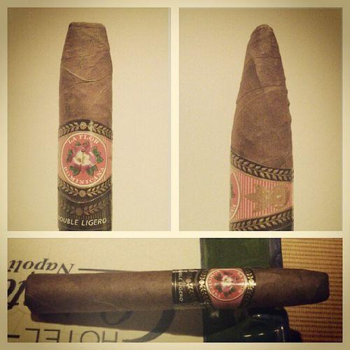 Besondere Empfehlung meines Cigarrendealers. Ich bin gespannt. Doubleligero Wesmokeberlin Smoke Cigar