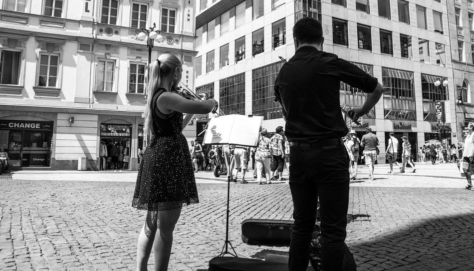Street Musician Black & White Black And White Streetphotography Peoplephotography Violinist Street Musicians People Photography Street Photography Blackandwhite