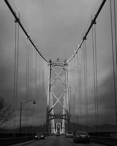 Lions Gate Bridge on an awesome broken clouds sunny day...just the perfect time 👌🏻 Vancouver 🇨🇦 Vancouverisawesome Vancity Vancouver British Columbia Eastvan Northvancouver Lionsgatebridge BurrardInlet Bridges