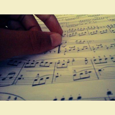Piano Pianoforte Musica Music mano mani hand hands beyer liceo scuola school