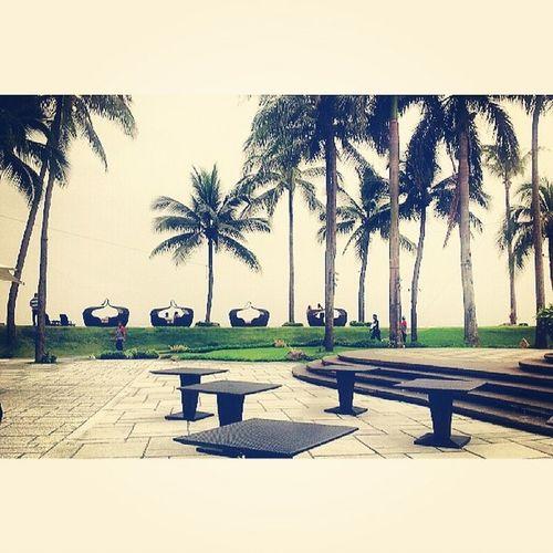 Outdoor... Sofitel Sofitelmanila Luxuryhotel Itsmorefuninthephilippines travelphilippines phonephotography samsungphotography s2 travel hotel