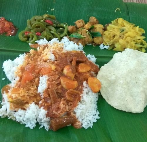Food Food And Drink Freshness High Angle View Ready-to-eat No People Rice - Food Staple Healthy Eating Serving Size Indoors  Close-up Banana Leaf Day Green Color Malaysian Food Vegetarianfood Curry And Rice Indian Food