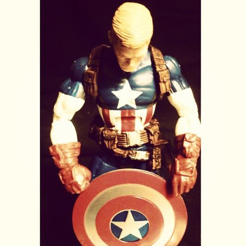 omg finally my marvel lengends cap came in!! for my first cap figure i love it,i do have a couple grips with it but all in all im very thankfull to have it. Marvellengends Steverodgers Captainmerica Marvel Heros Figures Figuretime Figurecollecting Geekingout Lovingit Sexy Badass Greatday Hyperventilating HypeMofo Hasbro Collecting Superlucky  Ebay Superhappy Firstavenger Avenger Manchild Mcu Comics classic Marveluniverse orderdit Marvelcomics disney