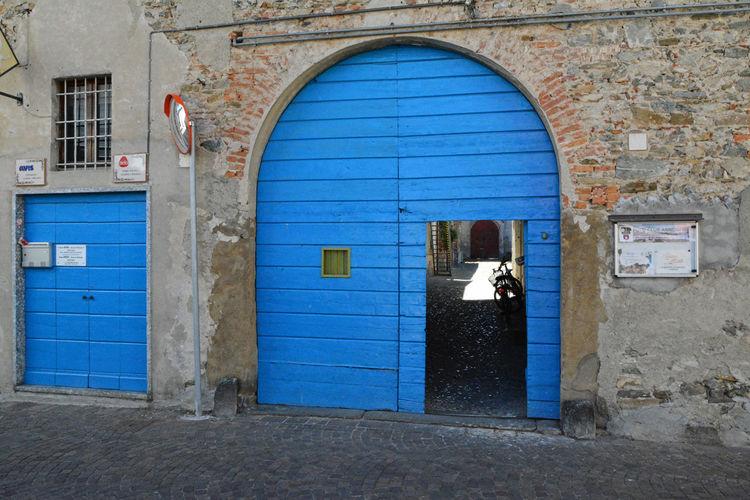 A blue doorway (and a door, too) in the middle of Annone di Brianza, Lecco, Italy. Annone Di Annone Di Brianza Architecture Blue Building Exterior City Italia Italy Lombardia Lombardy Multi Colored Urban