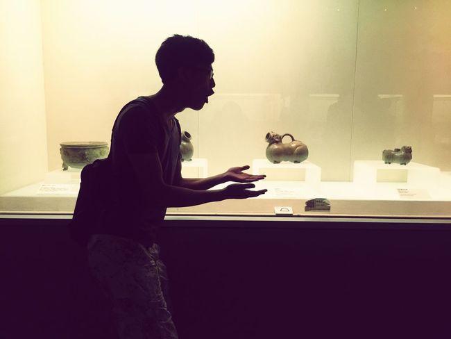 湖北省博物馆,某只萌宠。