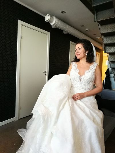Oslo Bridal White Me Bride Wedding Dress Wedding One Woman Only Only Women Life Events Anticipation Indoors  One Person Bridal Shop Fitting Room Preparation  Veil