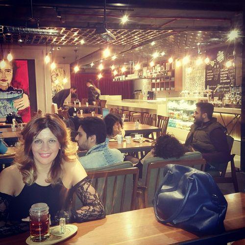 Taking Photos That's Me That's Me Bendenbirkare Enjoying Life Photo Shoot Bo Cafe Cafe Time Vanilla Tea Akşamgezmeleri tiyatro öncesi :)