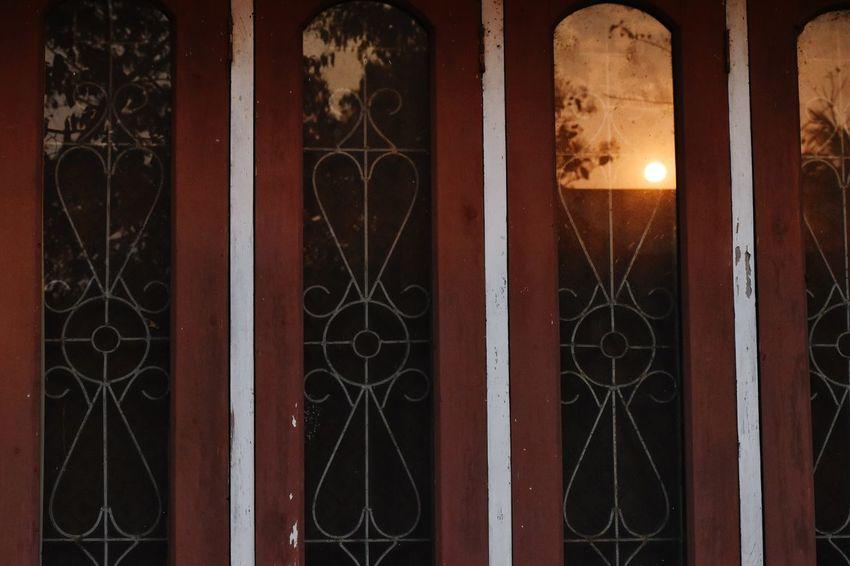 EyeEm Selects Hanging Close-up Architecture Built Structure Door Knocker Historic Door Closed Door Front Door Open Door Doorknob Architectural Column