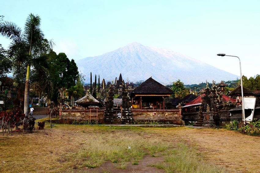 Besakih Temple Landscape Amazing View Volcano Mt. Agung EyeEm Indonesia The Week Of Eyeem EyeEm Best Shots Wonderful View Fall Beauty