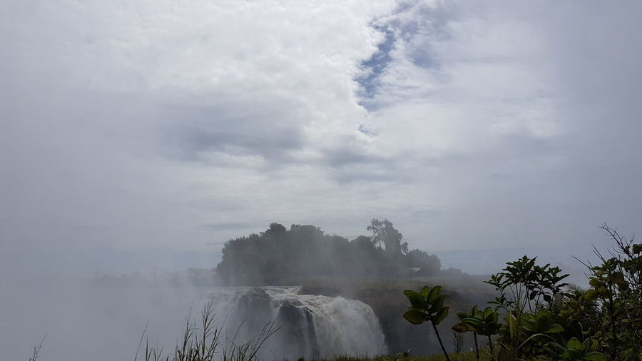 Whit The Family ♥ Zimbabwe Vacation Victoria Falls Water Mountain Fog Power In Nature Beauty Waterfall