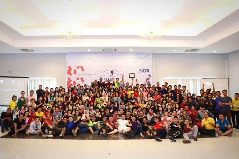Keluarga besar BCA Pontianak Banker Young Women Full Length Crowd Occupation Learning