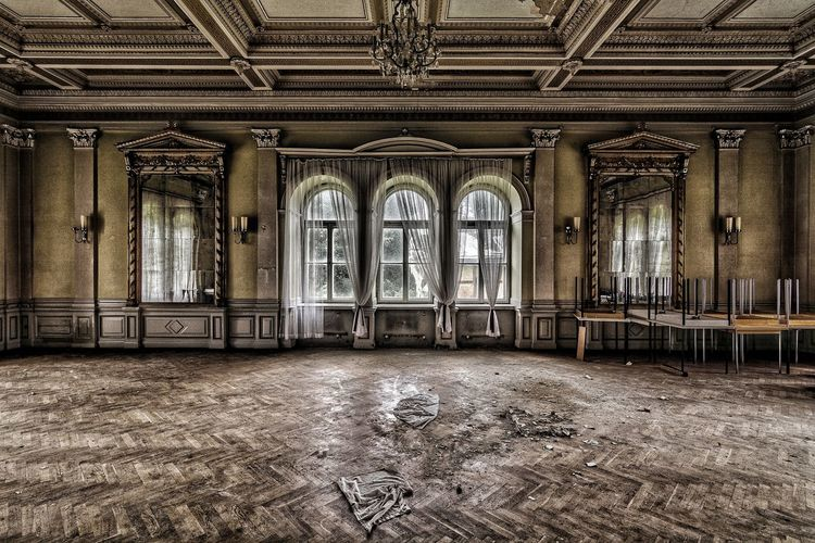 Urbex Urban Decay Lost And Found Beauty Of Decay Photography Vergessene Orte Lost Place EyeEmNewHere EyeEm Best Shots No People Abandoned Places Abandoned Forgotten Places  Window Architecture Built Structure Château History Indoors  Empty Room Mirror Schloss Abandoned_junkies Abandoned Building Ballroom