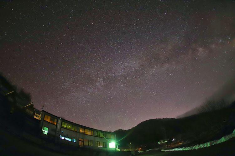 霧が迫ってたので数枚しか撮れなかったけど Nature 銀河鉄道の夜♪ Nature Photography 一目惚れんず Astronomy Galaxy Milky Way Star - Space Mountain Constellation Illuminated Space Space And Astronomy Sky