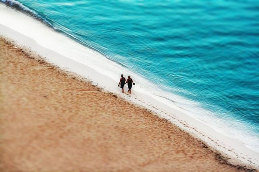 Couple hand in hand credit :@egydbedu EEprojects Sunbath Tourist Travel Canon_photos Awesomeearth Caribbean Beach Luxury Summer @natgeotravel Romantic Tropical Couple Coastline Ocean Holiday Resort LiveTravelChannel Travelawesome Mediterranean  Cbviews Earthfocus Highlife Ig_masterpiece exploretocreate bahamasawesomeglobebeautifuldestinationstiltshiftjustgotravelsc