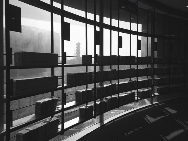 Used book store or jailed knowledge. IPhoneography IPhone Iphone5s Relaxing Korea Ilsan  B&w Streetphotography_bw Streetphoto Streetphoto_bw