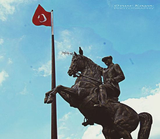 İlelebet Cumhuriyet.. Sapanca Atatürk MustafaKemalAtatürk Cumhuriyet CumhuriyetBayrami 1923 photography by Onur Kaya✨✨