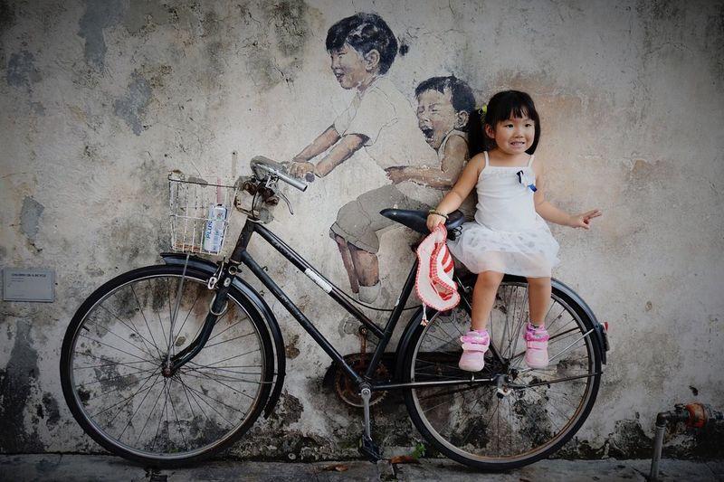 Malaysia Pulau Penang Georgetown Streetart Ernest Zacharevic Bicycle Little Girl