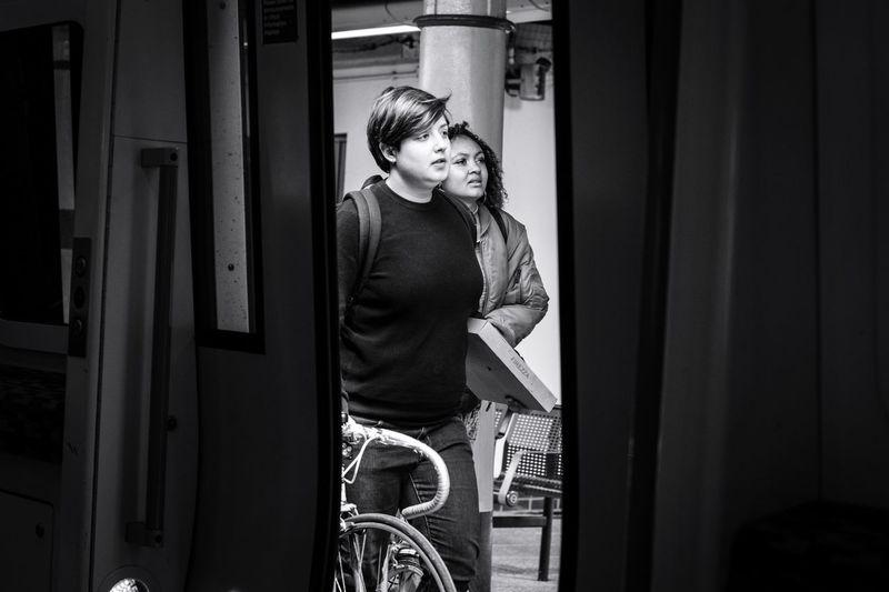 The Street Photographer - 2017 EyeEm Awards London Real People Travel Streetphotography