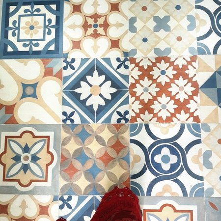 What a beautiful tiles! Eyeemmarket First Eyeem Photo EyeEm Eyeemphoto Abirdseyeview Pivotal Ideas Tiles Tiles Textures Tiles Architecture Tilesart Tiles Of Morocco Tilesaddiction Tiles Floor ArtWork Art Enthusiast Beautiful Taking Photos Portrait Check This Out Marvelouscapture Style Pattern Design Interior Decorating From Where I Stand From My Point Of View I Have This Thing With Floors