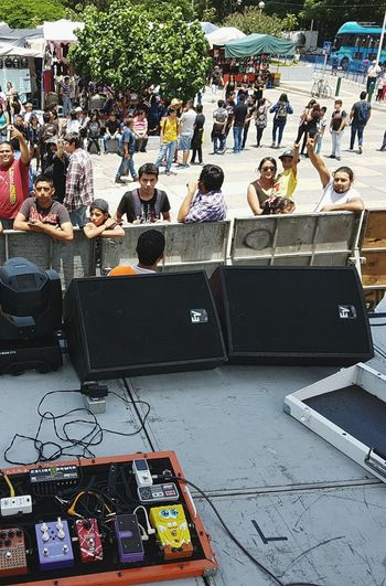 Large Group Of People Lifestyles High Angle View Person Crowd Performance Outdoors Day Event Parked Musicbringsustogether Music Brings Us Together Concert Music Show Band Rockband Pedals Pedalboard Fxpedals Effectpedal Large Group Of People Lifestyles Leisure Activity High Angle View
