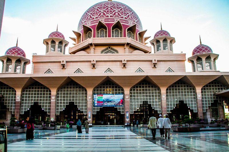 masjid Putrajaya Building Exterior Outdoors City Sky Built Structure Travel Destinations Architecture People Day Arch Mosque Putrajaya,malaysia Putrajaya Mosque Putra Mosque