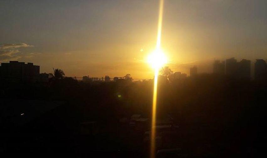 Sunsets Localscene Localsight Localsunset Travel Photography Commuter Sunchaser Edsa Mrt Metro Quezoncity