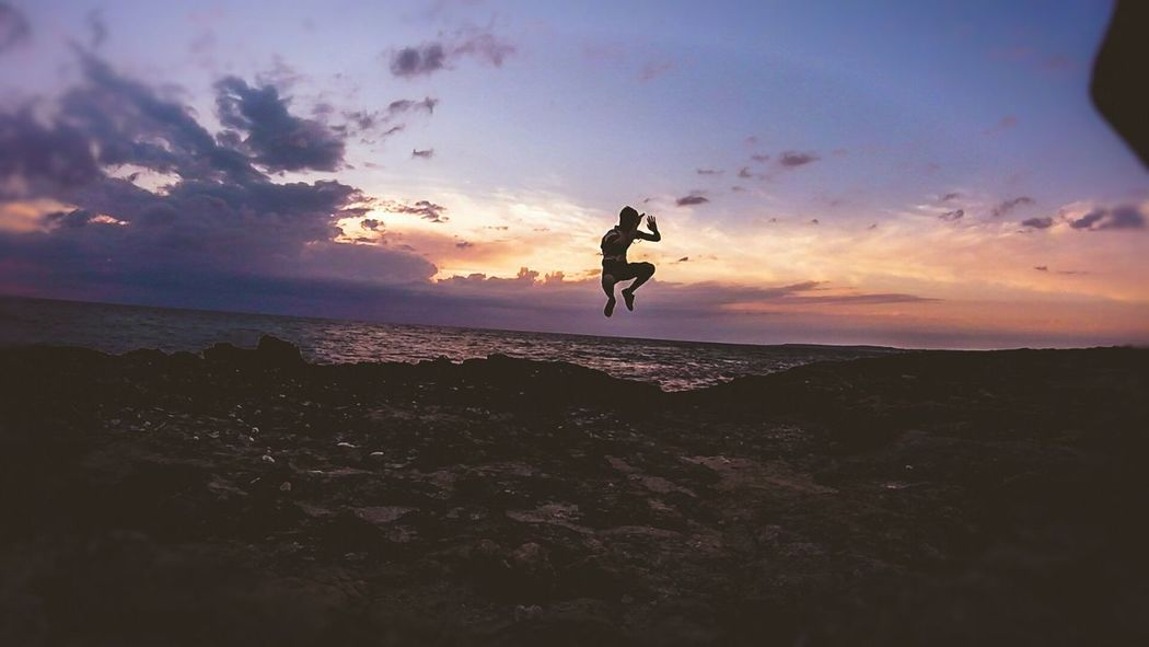 Summer Hanging Out Check This Out Sunset Incredible Nature Perfectlight Jumping Shadows & Lights Sea And Sky That's Me