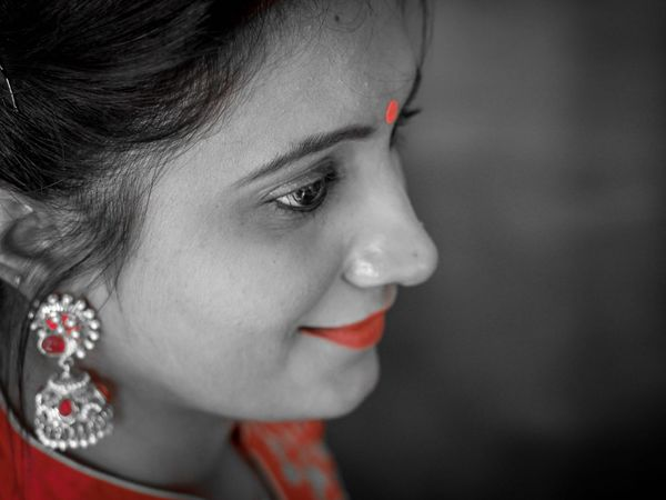 you can imagine the beauty of Indian Culture by Seeing Indian Women's Simplicity Red Indian Beauty Simplicity Is Beauty. Canon 550d Canon 50mm F1.8 II EyeEm Best Shots EyeEm Gallery Eyeemphotography Canonphotography EyeEmPortraits India Colors EyeEm Selects Human Lips Portrait Beautiful Woman Beauty Eyelash Beautiful People Women The Portraitist - 2018 EyeEm Awards