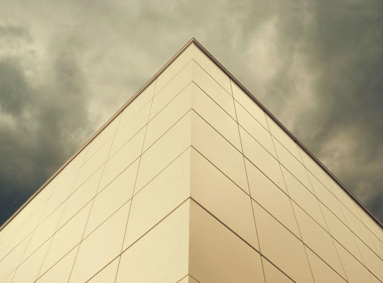 Vertigo Architecture Buildinds City Engineering Face Geometry Low Angle View Modern Sky Skyscraper Stormy Symmetry
