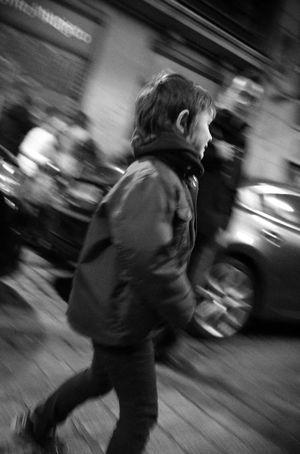 Monochrome Streetphotography Blancoynegro Blackandwhite Streetphoto_bw Street Life Flaneur Madrid Streetphotography_bw NEM Black&white Ricoh Gr Life In Motion NEM Street AMPt - Street