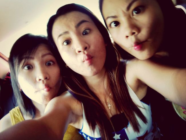 We're extremely crazy when we got together! My bitches@sisters! Family Instagood, #tweegram #photooftheday #sketch,#sketchclub,#malen,#painting,#instagram,#picoftheday,#art,#star,#followme,#follo Likeforlike #followforfollow