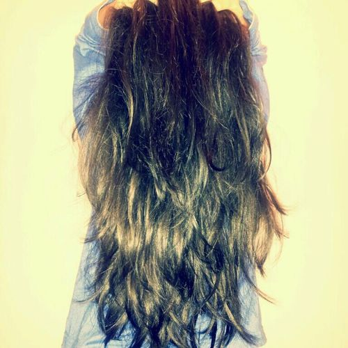 I need a hair cut asap -.- I hate my natural hair ... ugh . Naturalhair