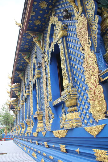 Thailand Thailand_allshots Thailandtravel Thailand Photos Thailand🇹🇭 Temple - Building Templephotography Buddhism Buddhist Temple BUDDHISM IS LOVE Chiang Mai | Thailand Chiangmai Chiang Mai Thailand Architecture Built Structure Building Exterior Belief Spirituality Building Religion Place Of Worship Low Angle View History The Past No People Blue Art And Craft Representation Day Gold Colored Travel Destinations Creativity Ornate Outdoors