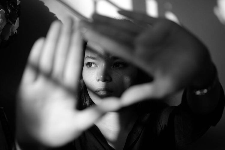Emanisti Black And White Blackandwhite Human Hand Young Women Portrait Home Interior Loneliness Depression - Sadness Beauty Shadow Disappointment Women Monochrome