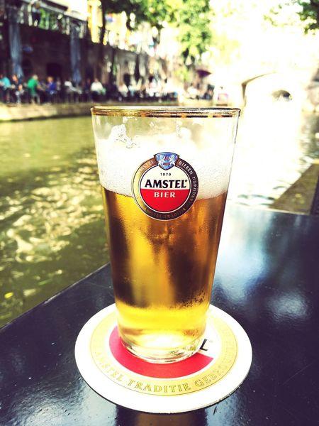 Verkoeling aan de Oude Gracht Utrecht Netherlands Amstel Bier Amstel Oudegracht 030 OldCanal