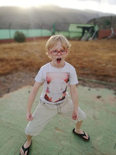 Blond Hair Child Full Length Childhood Shouting Standing Screaming Anger Front View Mouth Open