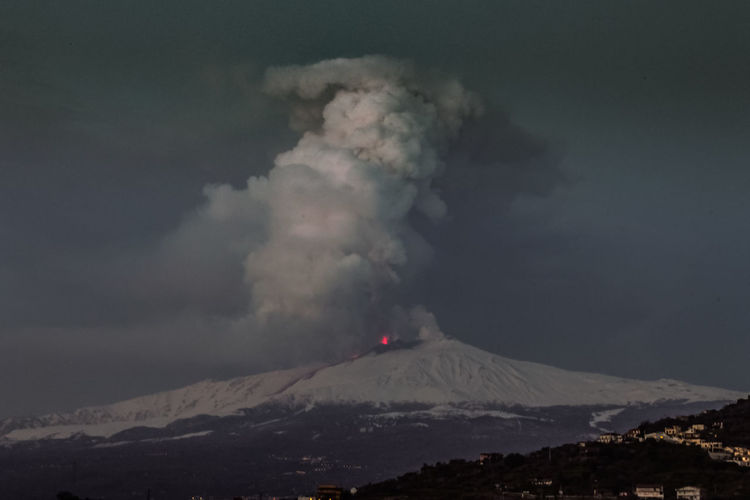 Catania Mountain Smoke - Physical Structure Sky Volcano Environment Erupting Beauty In Nature Geology Power Power In Nature No People Cloud - Sky Landscape Nature Scenics - Nature Non-urban Scene Land Active Volcano Outdoors Mountain Range Mountain Peak Pollution Volcanic Crater