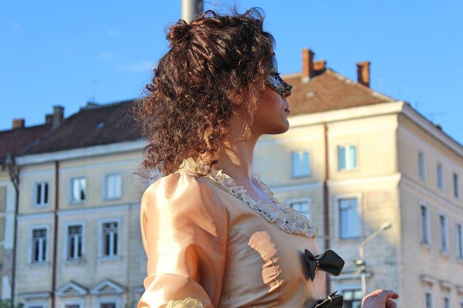 Architecture Live Statue Costume Festival Young Women