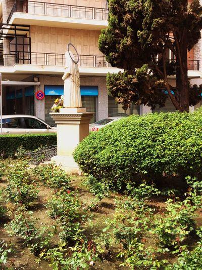 Statue Alone