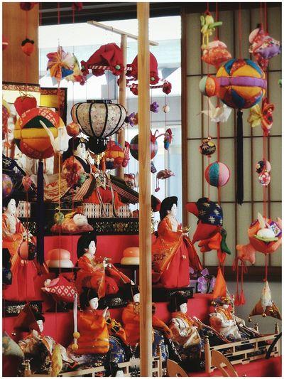 お疲れした~ ✨🙇✨ 先週お寺で見に行って来ました... 色鮮やかな手作りの吊るし雛と雛人形が沢山飾られてて綺麗でした😍🎎 今月もよろしくお願いします🍀 | 吊るし雛 吊るし飾り 雛人形 ひな祭り Doll Festival March3rd Japanese Culture Girl's Day Girl Power Hina Matsuri Hina Dolls Hanging Ornaments Japanese Tradition Japanese Traditional Events Japanese Festival Celebration Culture And Tradition Praying For A Daughter's Good Fortune From My Point Of View EyeEm Best Shots EyeEm Gallery EyeEmNewHere Olympusinspired Olympus Photography