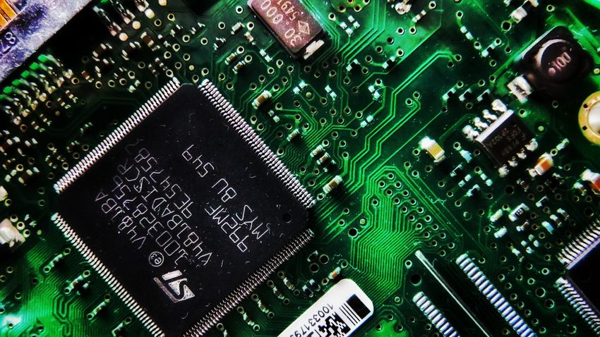 Close Up Technology Green Color Technology No People Indoors  Circuit Board Close-up Computer Chip Day Canon Canonphotography Colorful